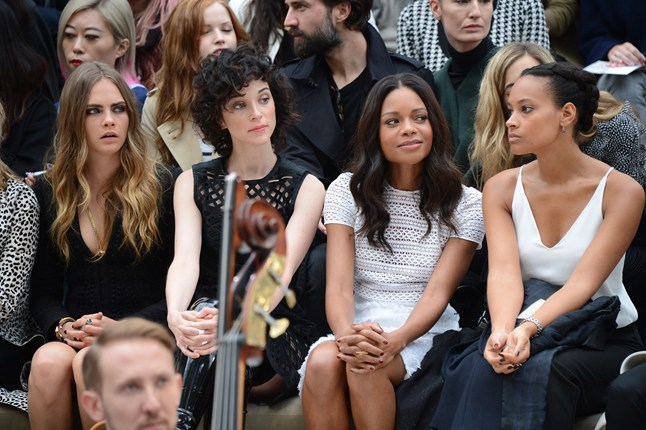 burberry-front-row-1-vogue-21sep15-rex-b_646x430