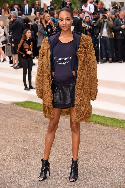 jourdan-dunn-burberry-vogue-21sep15-rex-b_426x639