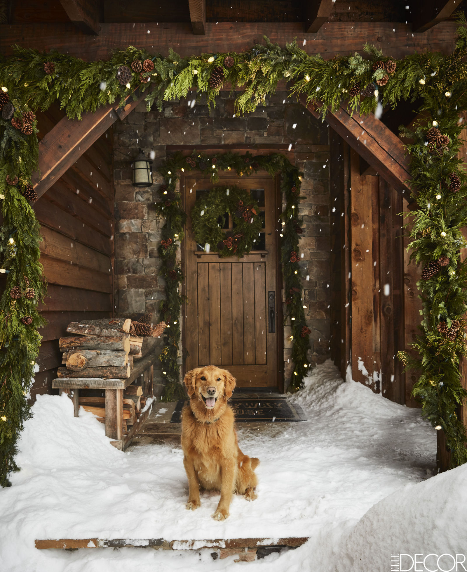 gallery-1479403659-montana-christmas-home-front-door