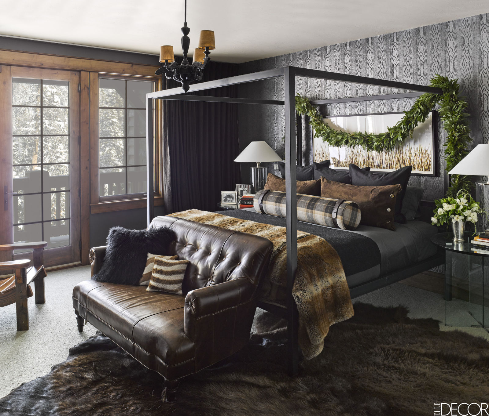 gallery-1479404289-montana-christmas-home-master-bedroom