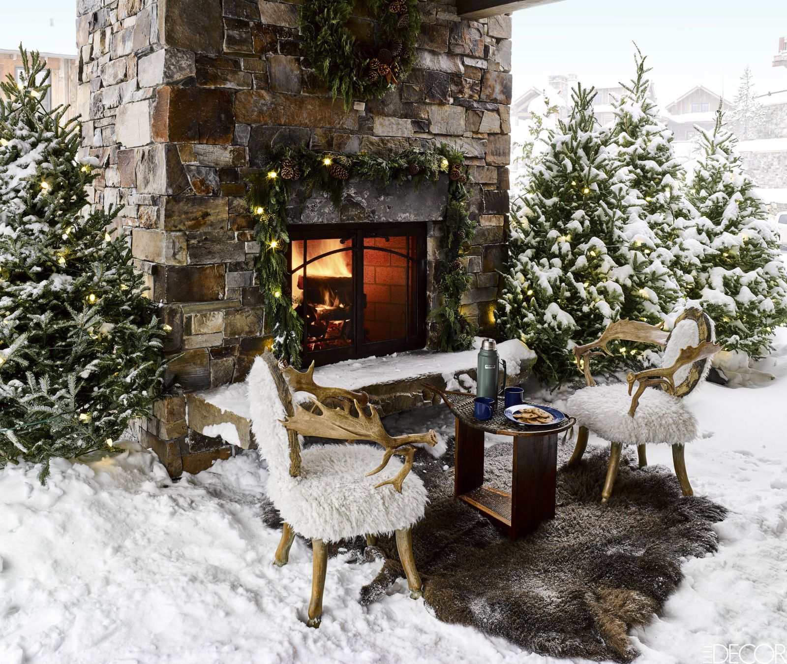 gallery-1479404731-montana-christmas-home-outdoor-fireplace